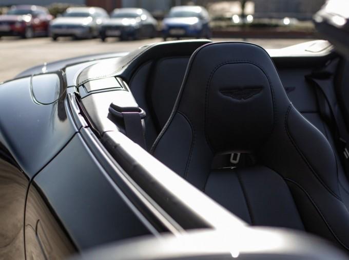 2018 Aston Martin V12 Volante Touchtronic III 2-door (Black) - Image: 15