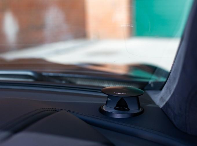 2018 Aston Martin V12 Volante Touchtronic III 2-door (Black) - Image: 16