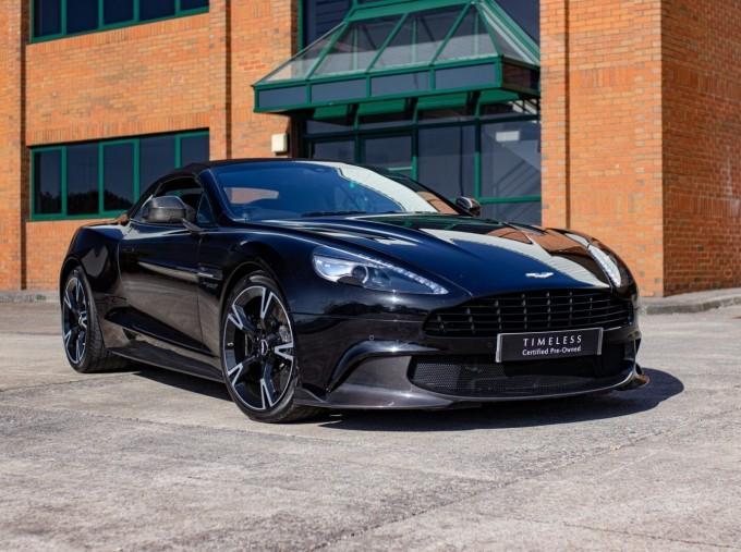 2018 Aston Martin V12 Volante Touchtronic III 2-door (Black) - Image: 17