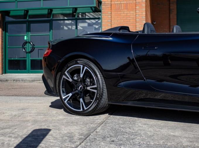 2018 Aston Martin V12 Volante Touchtronic III 2-door (Black) - Image: 22