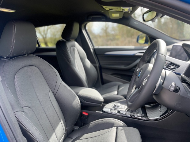 2021 BMW 20i M Sport DCT sDrive 5-door (Blue) - Image: 11