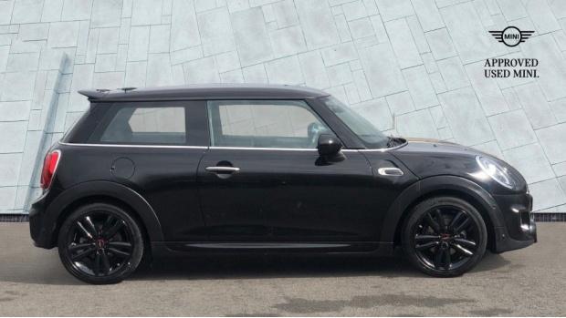 2019 MINI 3-door Cooper Sport (Black) - Image: 3