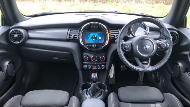 2019 MINI 3-door Cooper Sport (Black) - Image: 4