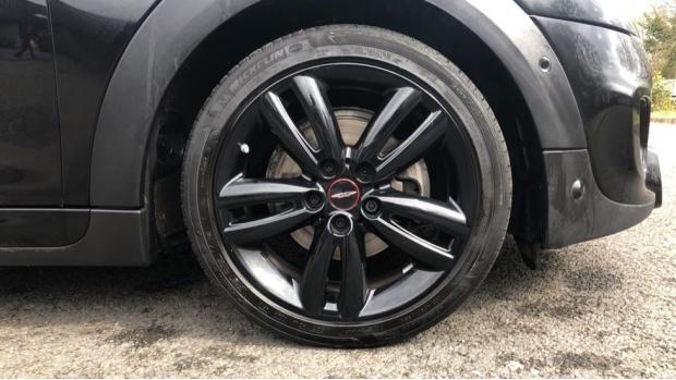 2019 MINI 3-door Cooper Sport (Black) - Image: 14