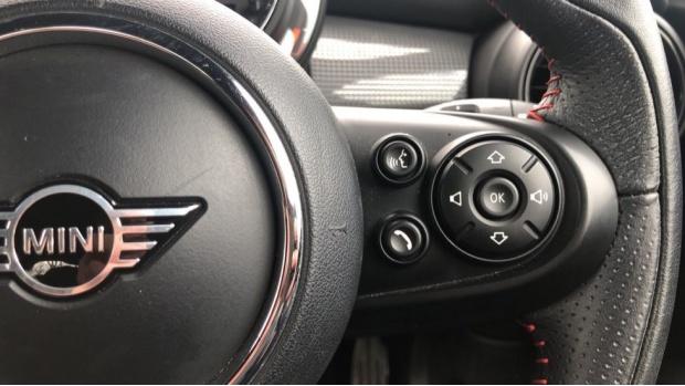 2019 MINI 3-door Cooper Sport (Black) - Image: 18