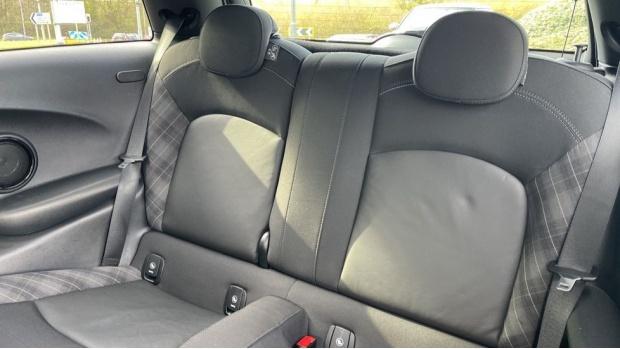 2017 MINI Cooper 3-door Hatch (Silver) - Image: 12