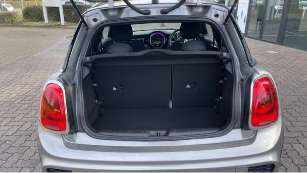 2017 MINI Cooper 3-door Hatch (Silver) - Image: 13