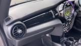 2017 MINI Cooper 3-door Hatch (Silver) - Image: 32