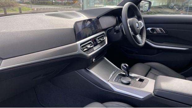 2020 BMW 320d M Sport Saloon (Black) - Image: 7