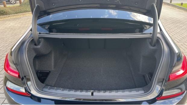 2020 BMW 320d M Sport Saloon (Black) - Image: 13