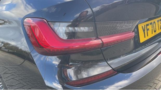 2020 BMW 320d M Sport Saloon (Black) - Image: 34