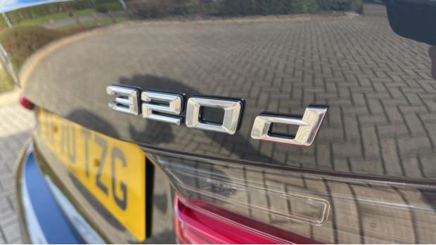 2020 BMW 320d M Sport Saloon (Black) - Image: 36