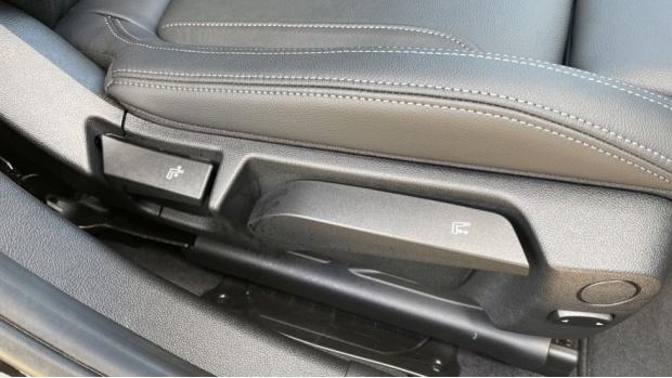 2020 BMW 320d M Sport Saloon (Black) - Image: 39