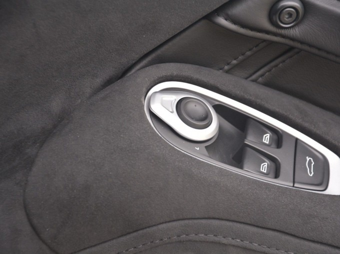 2019 Aston Martin V8 Auto 2-door (White) - Image: 7