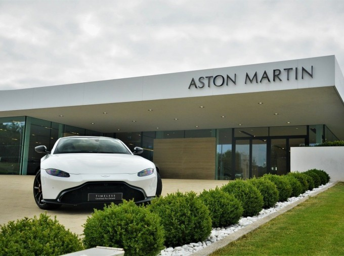 2019 Aston Martin V8 Auto 2-door (White) - Image: 18