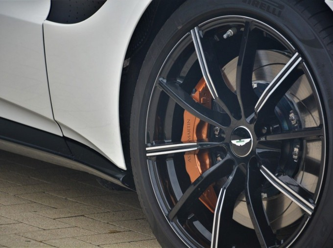 2019 Aston Martin V8 Auto 2-door (White) - Image: 24