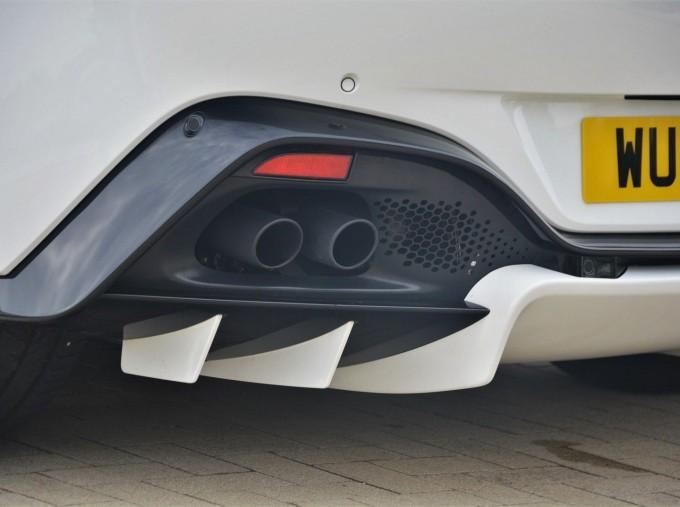 2019 Aston Martin V8 Auto 2-door (White) - Image: 36