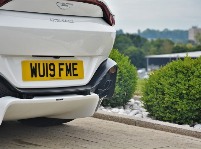 2019 Aston Martin V8 Auto 2-door (White) - Image: 37