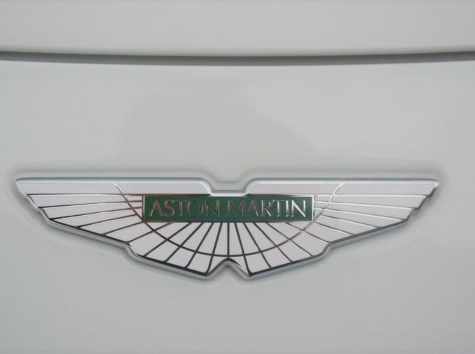 2019 Aston Martin V8 Auto 2-door (White) - Image: 42