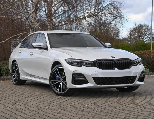 2021 BMW 330e 12kWh M Sport Auto xDrive 4-door (White) - Image: 1