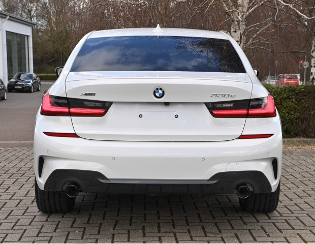 2021 BMW 330e 12kWh M Sport Auto xDrive 4-door (White) - Image: 6