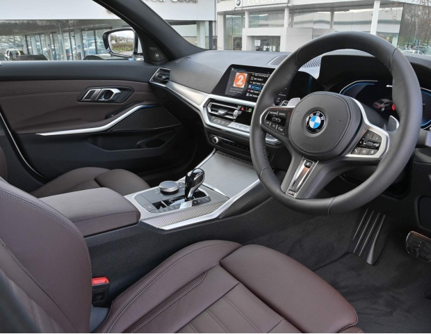 2021 BMW 330e 12kWh M Sport Auto xDrive 4-door (White) - Image: 8