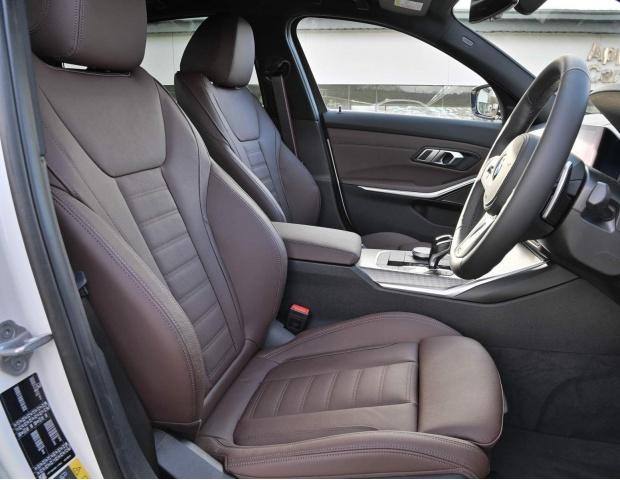 2021 BMW 330e 12kWh M Sport Auto xDrive 4-door (White) - Image: 9