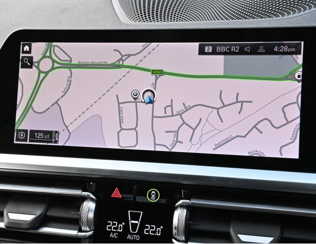 2021 BMW 330e 12kWh M Sport Auto xDrive 4-door (White) - Image: 13