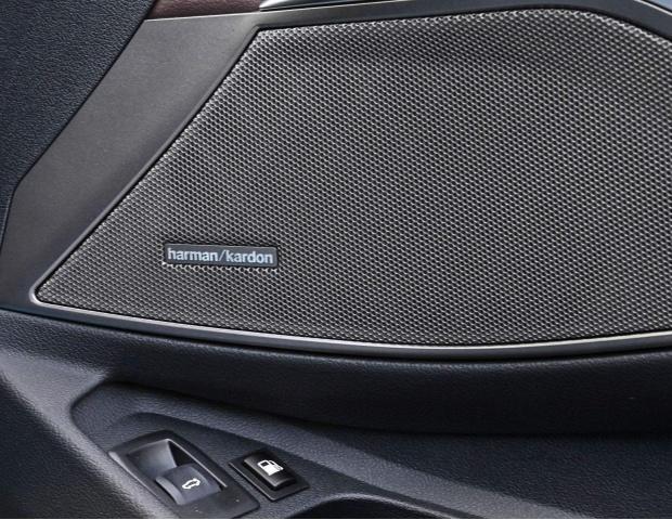 2021 BMW 330e 12kWh M Sport Auto xDrive 4-door (White) - Image: 21