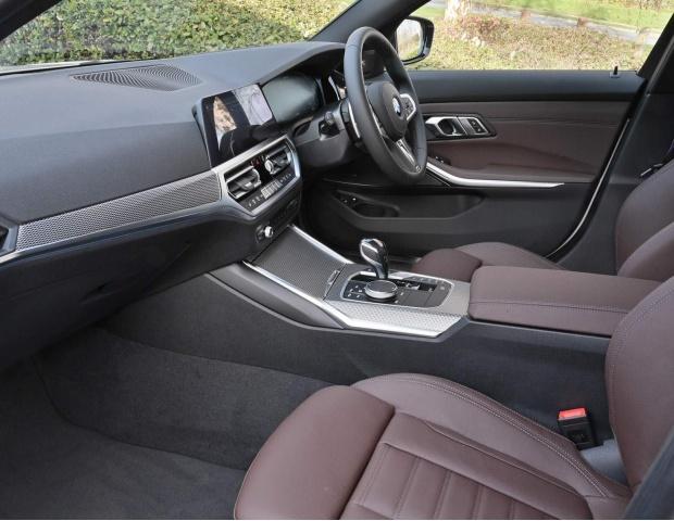 2021 BMW 330e 12kWh M Sport Auto xDrive 4-door (White) - Image: 23