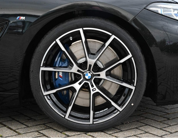 2021 BMW 840i M Sport Gran Coupe Steptronic 4-door (Black) - Image: 4