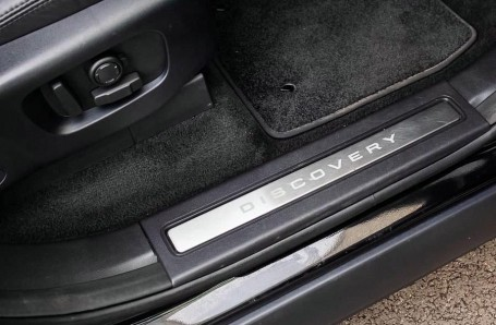 2017 Land Rover TD V6 HSE Luxury Auto 4WD 5-door (Black) - Image: 14