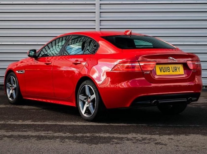 2018 Jaguar 2.0i R-Sport Auto 4-door (Red) - Image: 2