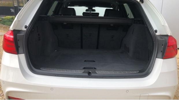 2017 BMW 320d M Sport Touring (White) - Image: 13