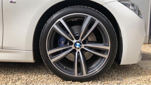 2017 BMW 320d M Sport Touring (White) - Image: 14