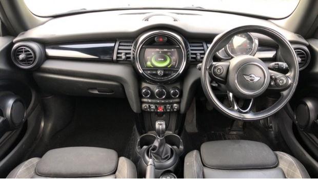 2017 MINI Cooper 3-door Hatch (Blue) - Image: 4