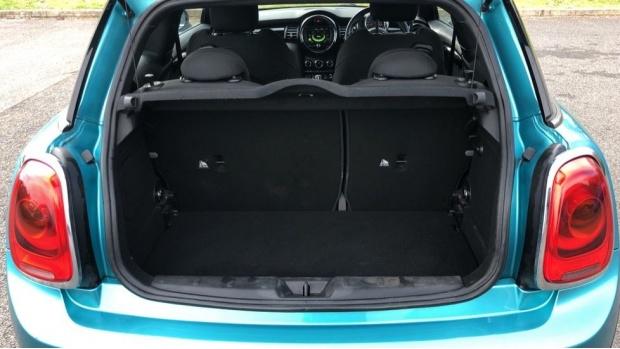 2017 MINI Cooper 3-door Hatch (Blue) - Image: 13