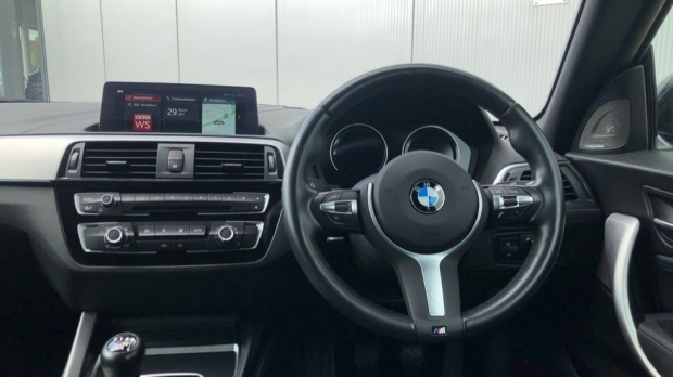 2019 BMW 118i M Sport Shadow Edition 3-door (Black) - Image: 5