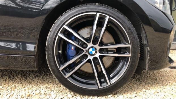 2019 BMW 118i M Sport Shadow Edition 3-door (Black) - Image: 14