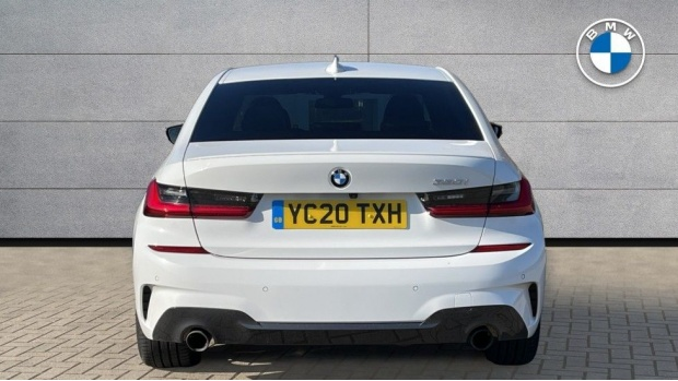 2020 BMW 330i M Sport Saloon (White) - Image: 15