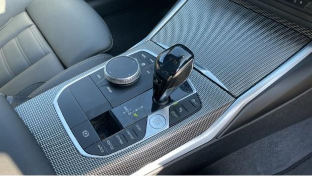 2020 BMW 330i M Sport Saloon (White) - Image: 19