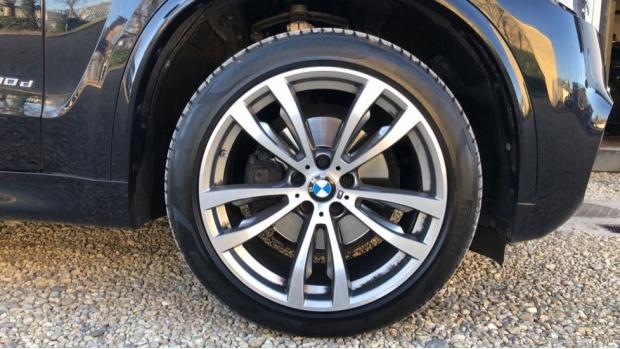 2018 BMW XDrive30d M Sport (Black) - Image: 14