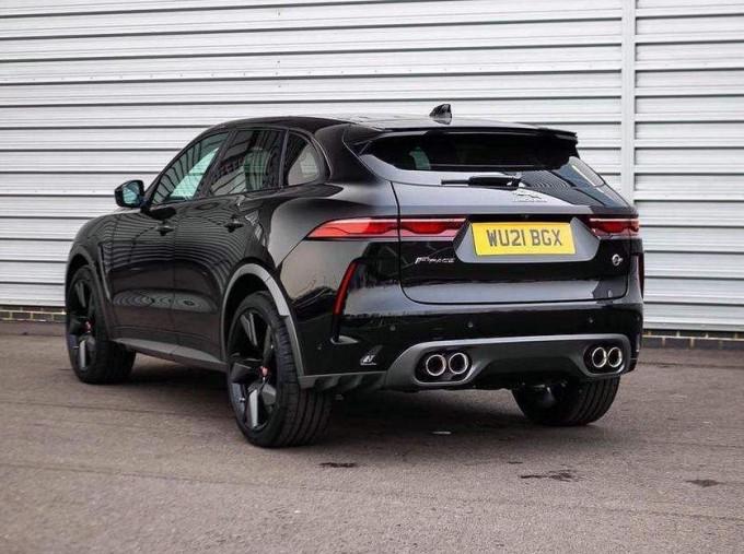 2021 Jaguar V8 SVR Quickshift 5-door (Black) - Image: 2