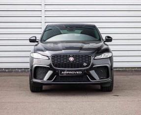2021 Jaguar V8 SVR Quickshift 5-door (Black) - Image: 7