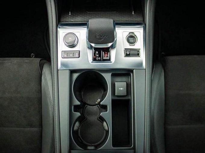 2021 Jaguar V8 SVR Quickshift 5-door (Black) - Image: 12