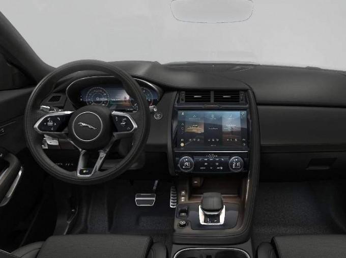 2021 Jaguar D200 MHEV R-Dynamic SE Auto 5-door (Grey) - Image: 5