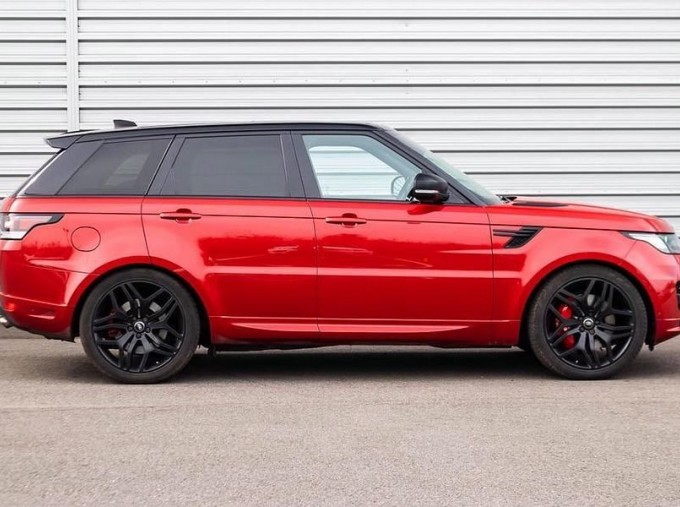 2017 Land Rover SD V8 Autobiography Dynamic CommandShift 2 5-door (Red) - Image: 5