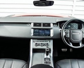 2017 Land Rover SD V8 Autobiography Dynamic CommandShift 2 5-door (Red) - Image: 9