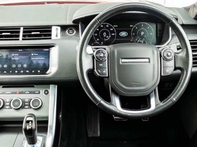 2017 Land Rover SD V8 Autobiography Dynamic CommandShift 2 5-door (Red) - Image: 10