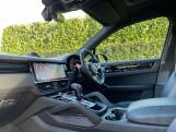 2019 Porsche V6 Tiptronic 4WD 5-door (Black) - Image: 3